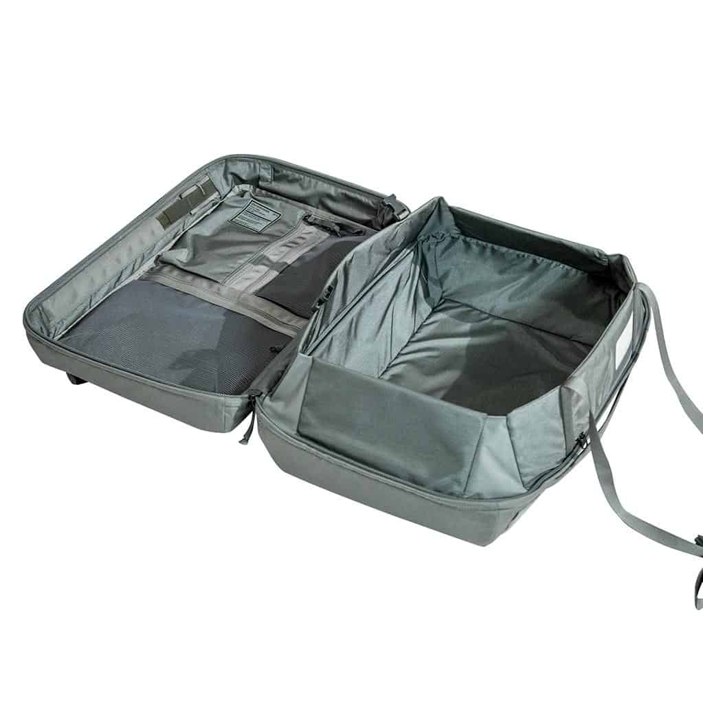 40L maximum carry-on capacity. Padding and compression. 40L maximum carry-on capacity. Padding and compression.