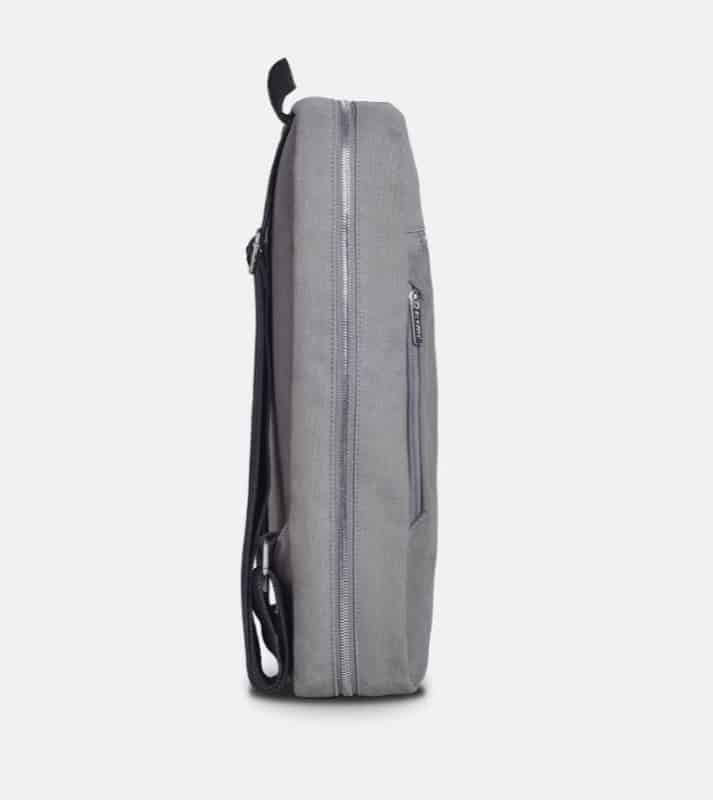 A very slimline pack with a nice feeling cotton all over the bag. Notice the simple, thin straps. A very slimline pack with a nice feeling cotton all over the bag. Notice the simple, thin straps.
