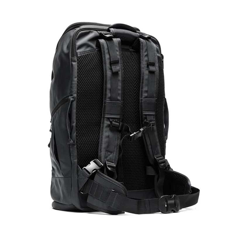 Extremely comfortable back panel and straps. Extremely comfortable back panel and straps.