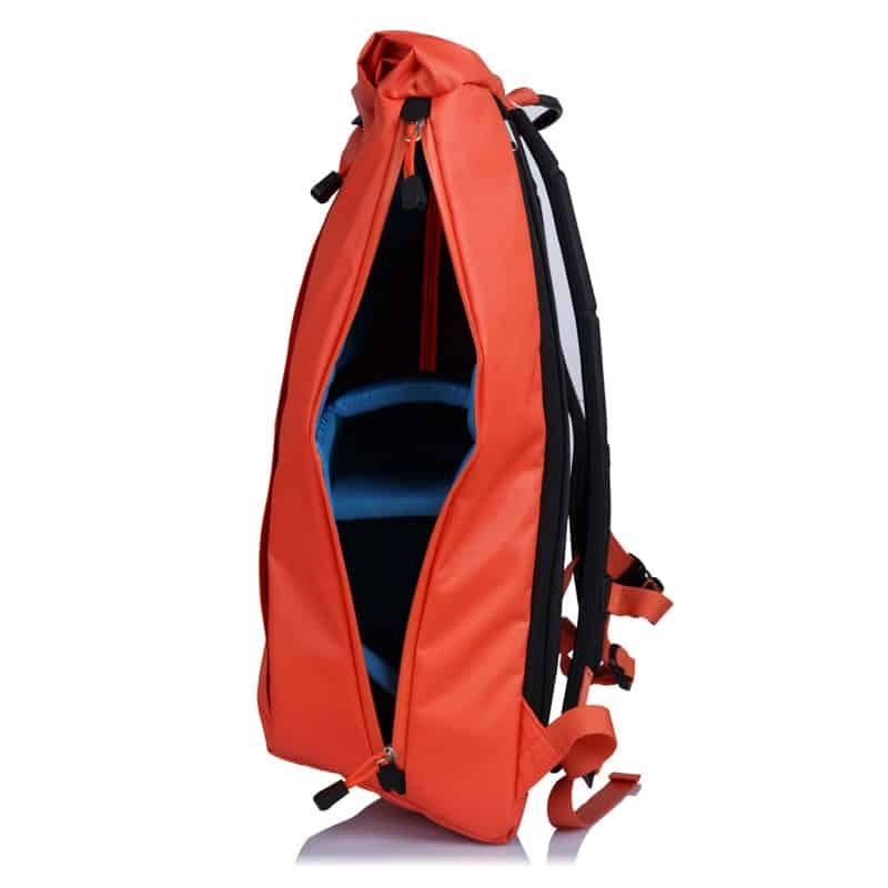 Elegant method for getting into both sides of the bag. Really low-key look (not in this color, lol) and easy access to your gear in transit. Elegant method for getting into both sides of the bag. Really low-key look (not in this color, lol) and easy access to your gear in transit.